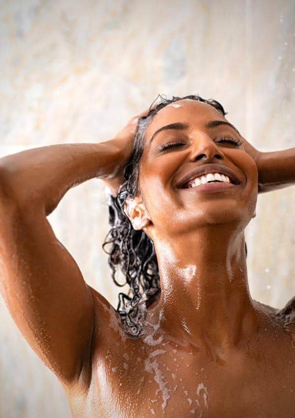 Is Sparkling Water Good For Your Scalp? (Solved)
